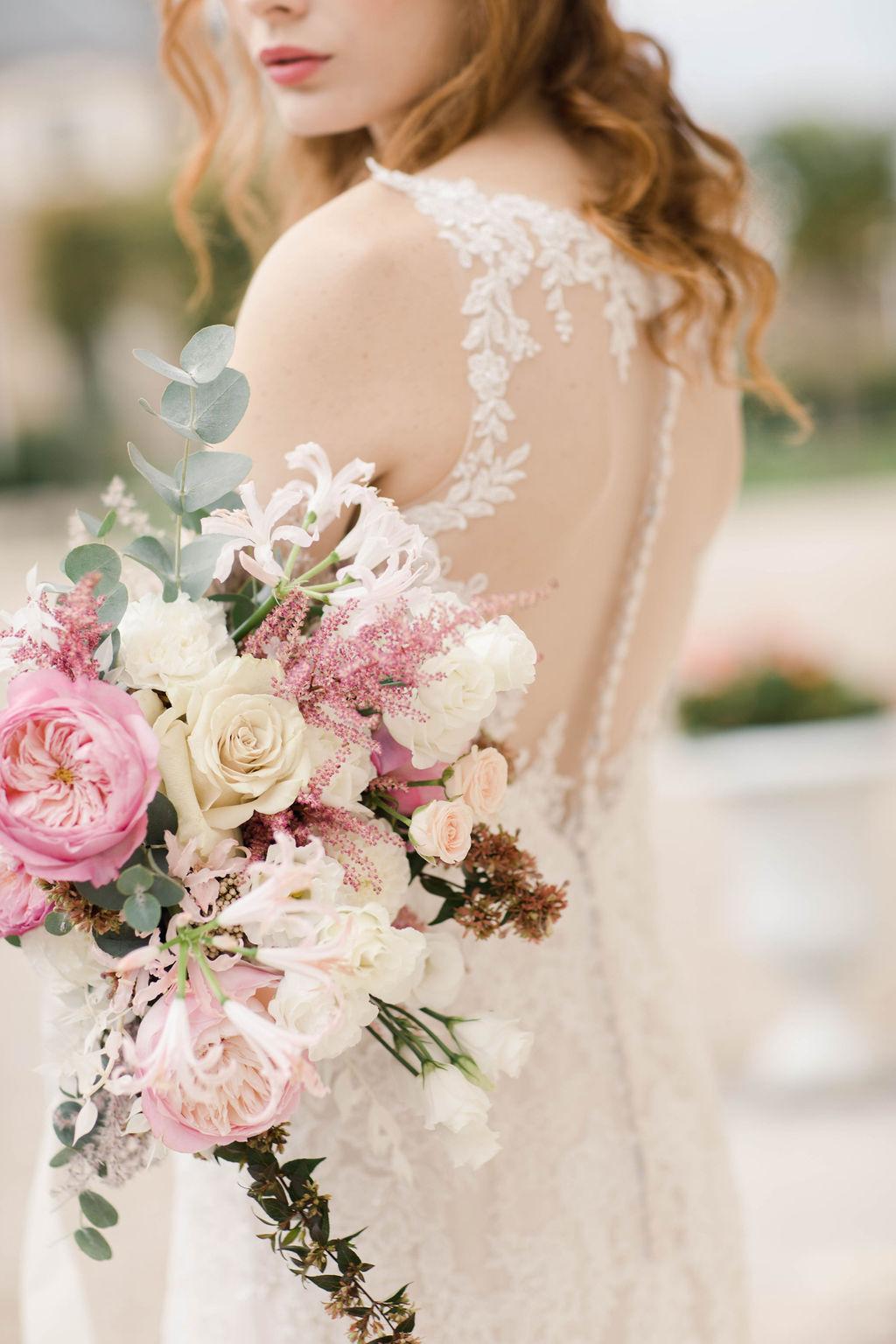 Bouquet de mariée romantique rose et blanc.