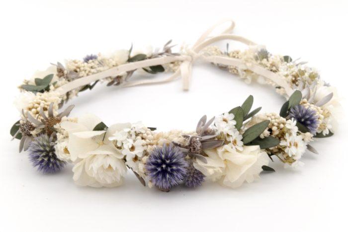 Miss Acacia - Couronne de fleurs séchées et stabilisées bleu et blanche