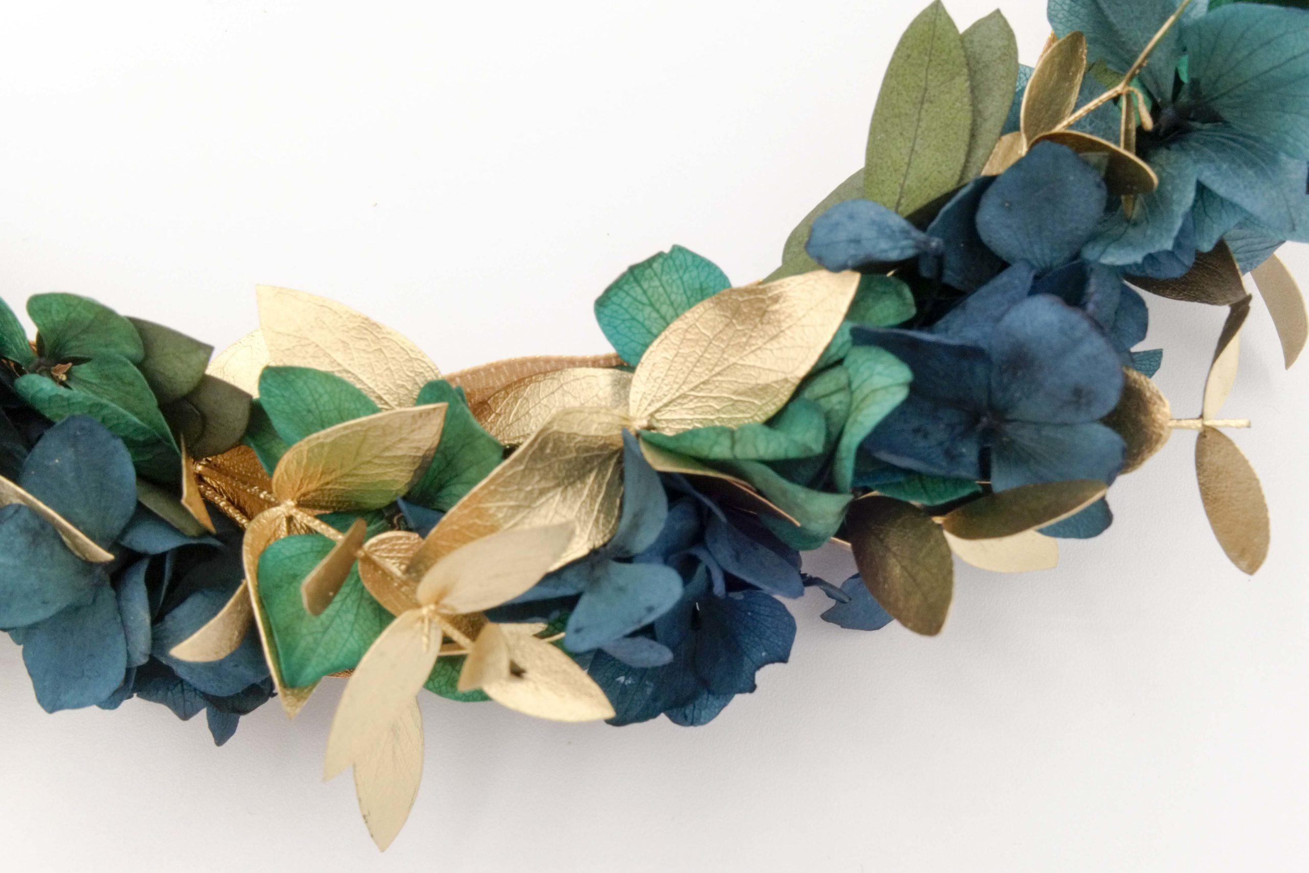 Miss Acacia - Couronne XL en fleurs stabilisées bleu et doré
