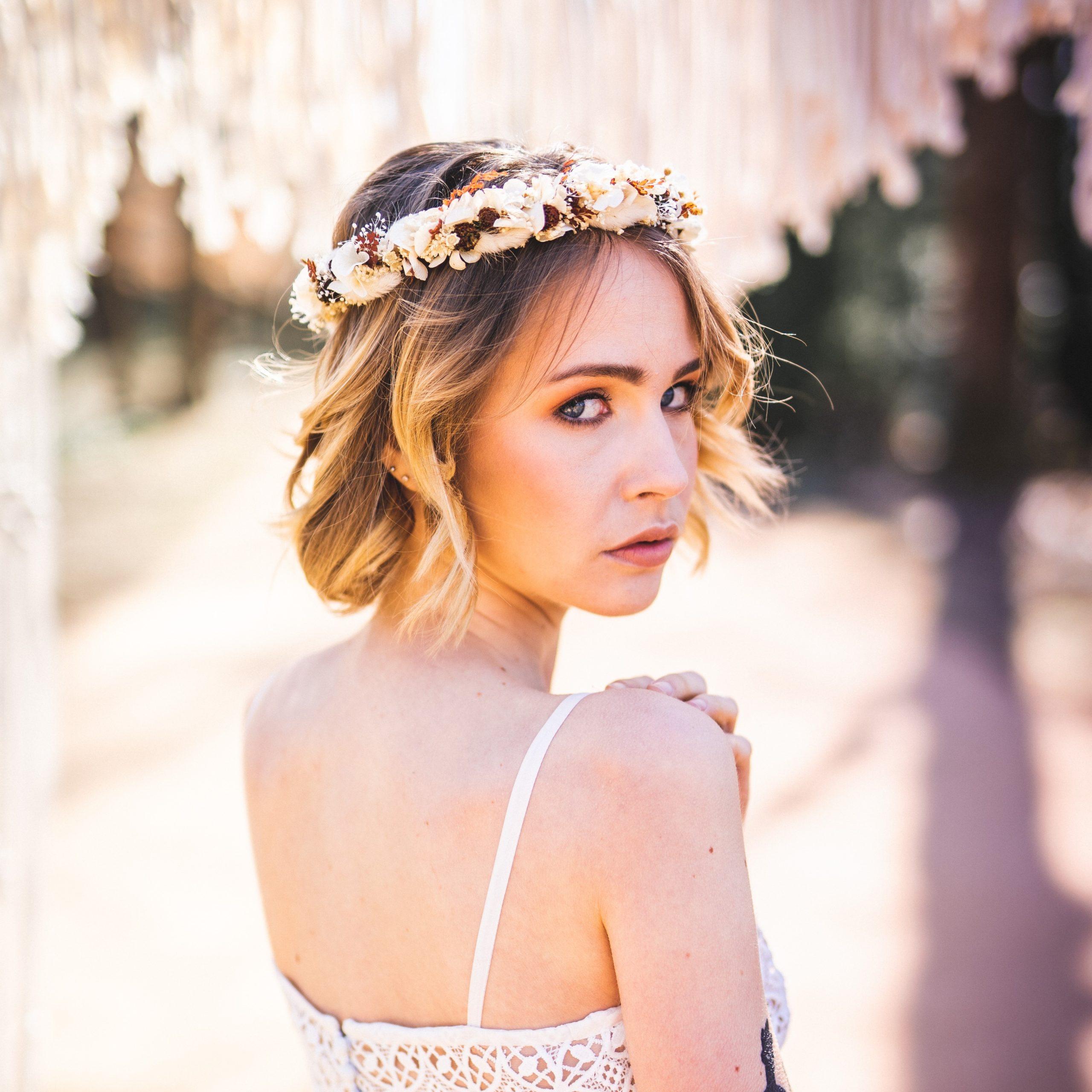 Fleuriste Miss Acacia - Couronne de fleurs séchées pour un mariage